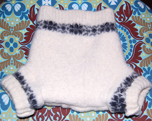 Recycled woolly wrap
