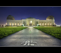 Awaiting the arrival of the Transformers. (Ryan Eng) Tags: california night la losangeles tripod symmetry griffithobservatory dri longexposures sigma1020mm digitalblending nikond90 ryaneng