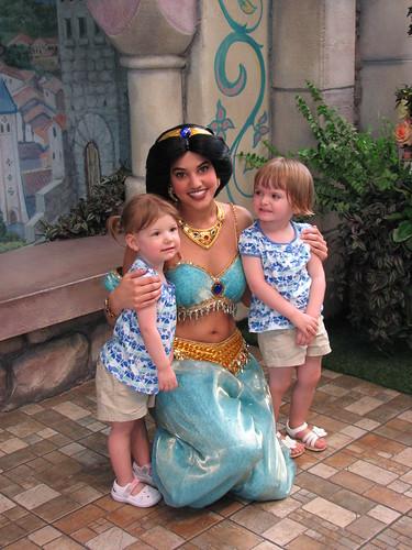 Disneyland 4-09_040