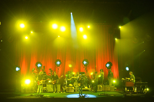 Red stage drapes and theatre lighting for Sheryl Crowe