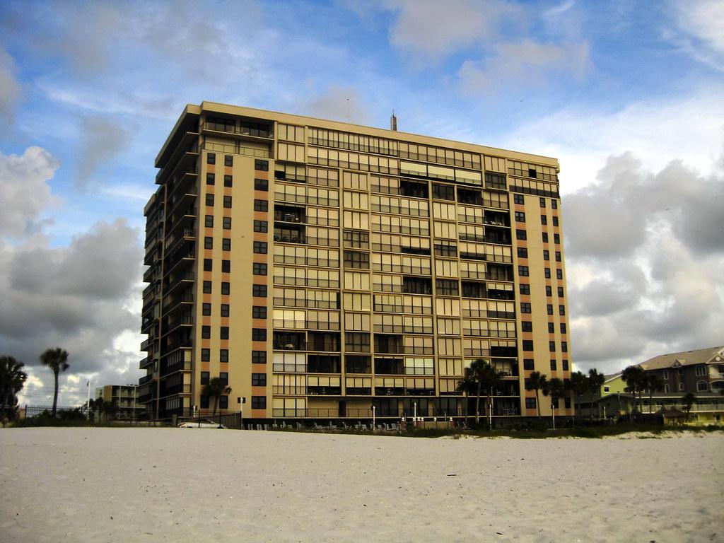 155:365 - beach building