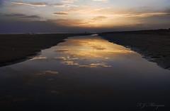 Reflejos en Punta (siddharta_1979) Tags: naturaleza verde azul mar agua barca huelva playa paisaje vida pajaros cielo nubes perros barcas paraiso gaviotas historia belleza miradas volar emociones barquitas shidarta