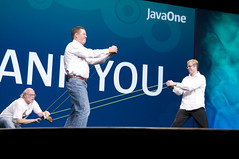 "T-Shirts Throwing, General Session ""Java: Change (Y)Our World"" on June 2, JavaOne 2009 San Francisco"