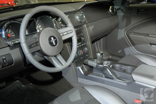 Ford Mustang GT 2005: Clasico deportivo