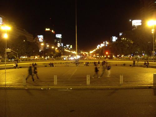 Avenida 9 de Julio at night