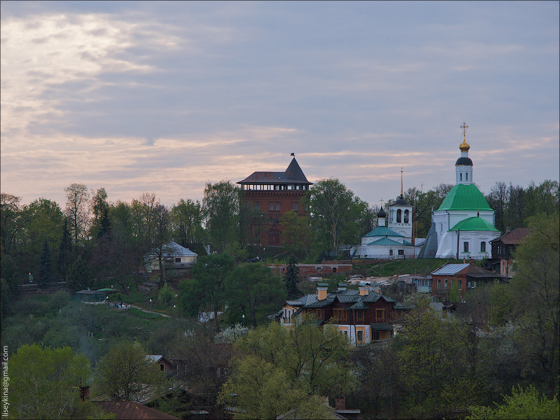 Водонапорная башня и Николо-Галейская церковь