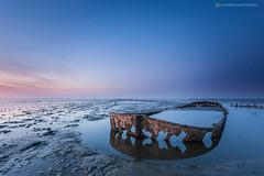 jv_120326_6657.jpg (Jurjen Veerman Photography) Tags: waddenzee zonsondergang zee wad friesland eb wierum gezonken zeewering waddenkust praam scheepswrak getijden wolkenlucht provinciefriesland schipbreuk jurjenveerman jurjenveermanfotografie