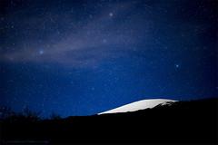 Mauna Kea... White Mountain (Rex Maximilian) Tags: longexposure snow silhouette night stars hawaii summit bigisland maunakea highaltitude bigisle islandofhawaii