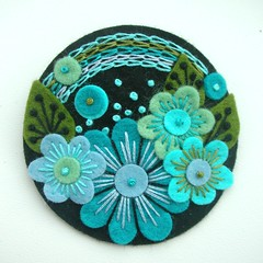 POCKETFUL OF POSIES FELT BROOCH - TURQUOISE (APPLIQUE-designedbyjane) Tags: black embroidery turquoise brooch felt flowercircle