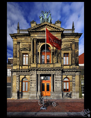 Teylers Museum... back to Haarlem! (B'Rob) Tags: street city travel blue light sunset cloud streetart holland color building art tourism netherlands azul museum architecture garden photography valparaiso photo yahoo google arquitectura nikon flickr via symbol edificio picture jardin ciudad bicicleta tourist colores best explore most cielo holanda eden 1224mm jardn mejor tradicin d300 brob explored brobphoto