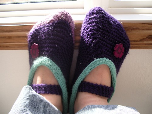 Purl Bee Mary Janes.  I used scraps.  Thats why one sole is a different colour.