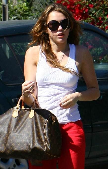 miley-cyrus-without-makeup (5)