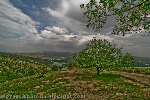 Hiking down Lake Eymir Ankara by voyageAnatolia