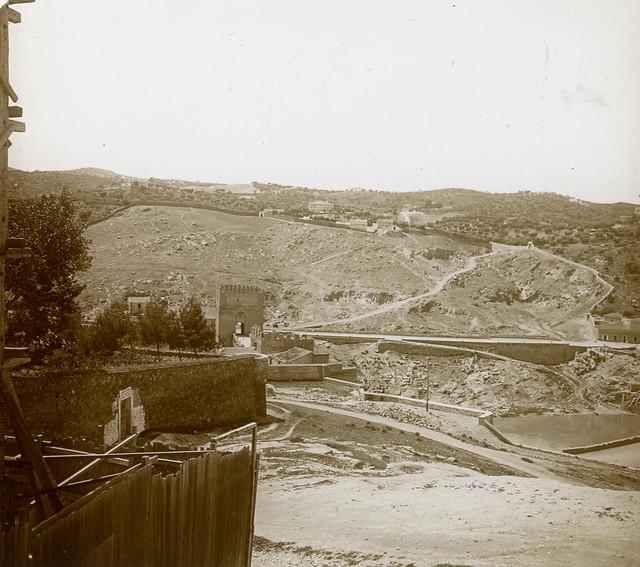 Puente de San Martín (Toledo) en 1913. Fotografía de Luis Calandre Ibáñez
