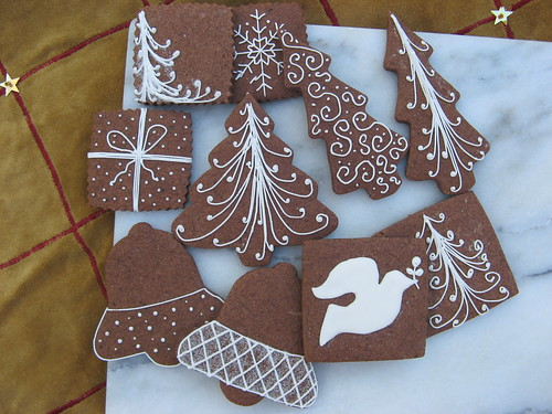 christmas lined cookies