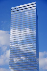 Blau sobre blau / Blue on blue (SBA73) Tags: 2001 nyc sky usa ny newyork reflection net clouds skyscraper unitedstates crystal manhattan worldtradecenter 911 cel clean cielo nubes reflejo twintowers wtc shape cristal groundzero soe limpio estadosunidos nuevayork rebuilt reflexe nuvols rascacielos gratacels perfecto 11s novayork wtc7 vidre torresgemelas zonacero polit torresbessones reconstruit mywinners abigfave estatsunits aplusphoto platinumheartaward 100commentgroup mygearandmepremium