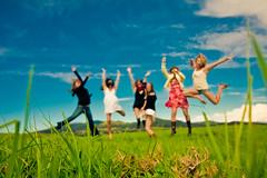 home (SARAΗ LEE) Tags: morning girls mountains green grass early jump jumping saturated surreal bluesky waimea midair kohala sarahl fosho kelseyc manaroad stephanieb sarahlee legothenego maliac maliaf vivantvie