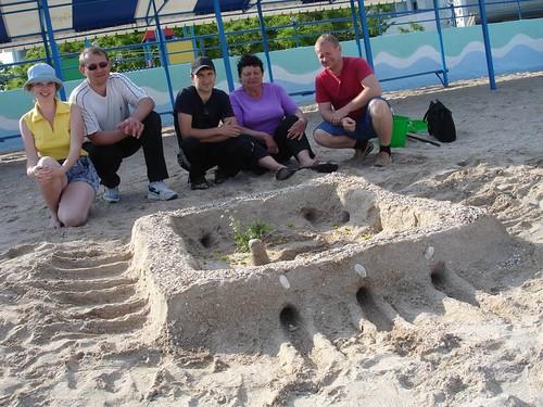 Noul Ierusalim facut din nisip de studenţii din Herson participanţi la sesiunea Apocalipsa II din Kirilovka, 2009