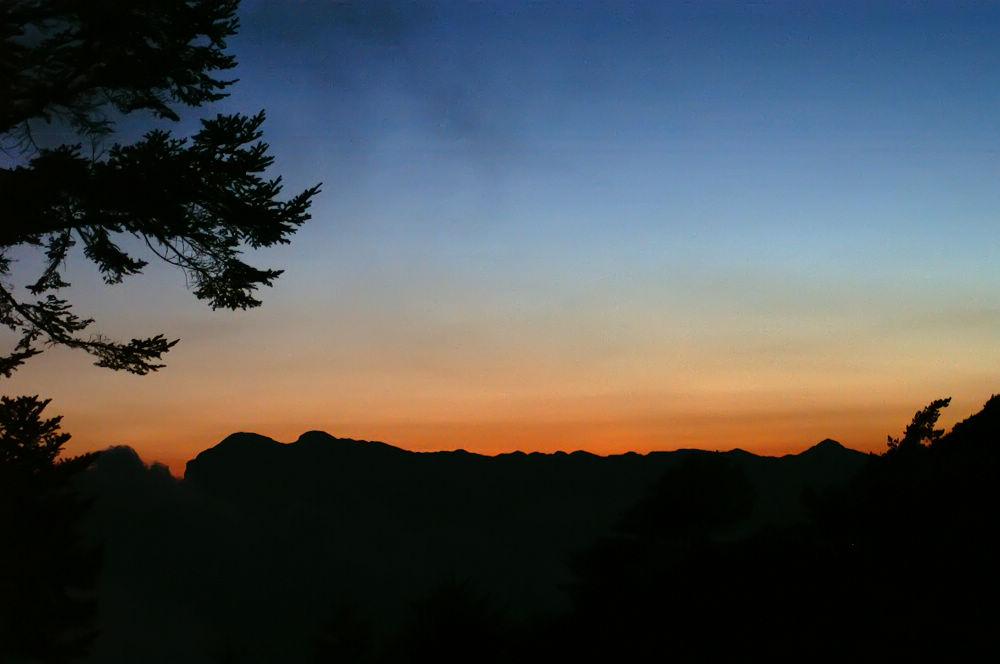 南湖大山day2-130 聖稜晚霞