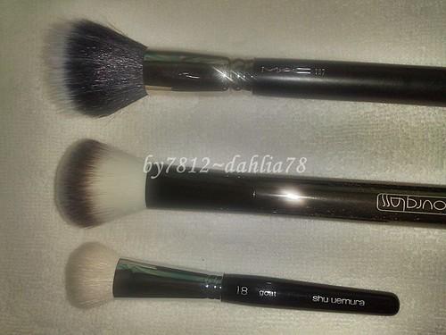 Foundation Brushes, Shu Uemura 18 Goat, Hourglass #2, MAC 187