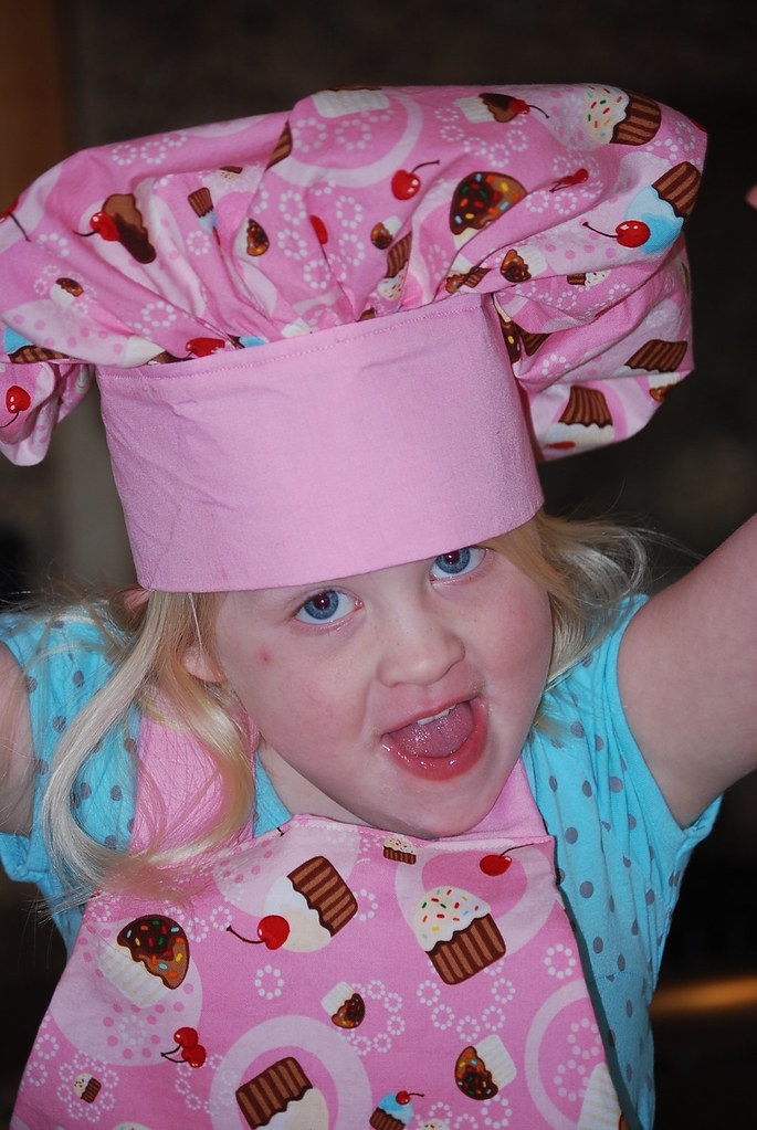 Cupcake apron and chef hat