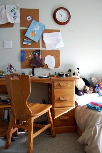 ian's desk area