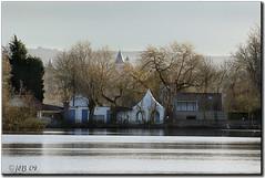 ...avec vue sur le lac d'Ardres