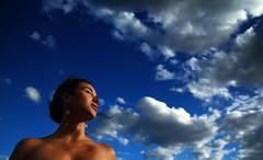 (Diego Epstein) Tags: blue portrait sky woman azul clouds mujer nikon heaven wind retrato viento cielo nubes 1750 28 tamron bigmomma d80 tamronspaf1750mmf28xrdiiildasphericalif colourartaward