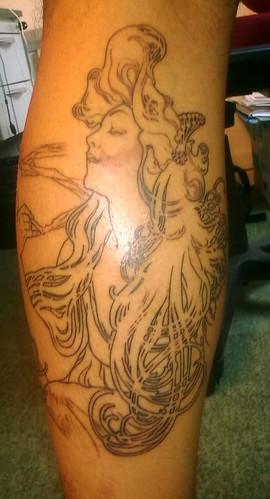 Mucha Tattoo (foto + ou -) [2009]