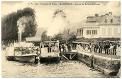 Happy Days: A Trip Down the River (c.1910) (postaletrice) Tags: france francia seinemaritime seine maritime rouen normandy alta normanda hautenormandie haute normandie la bouille steam steamer steamship steamboat paddleboats paddlewheelers bateau bac vapeur barca barco vapor crowd people gente monde muchedumbre foule embarcadero quai quay pier restaurant restaurante hotel st pierre loisir ocio leisure belle epoque vintage old antique postcard photo tarjeta postal antigua carte postale ancienne cpa cartofilia cartophilie deltiology geotagged black white blanco y negro noir et blanc ferry dock geo:lon=493523 geo:lat=09307 upper