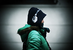 headphone? (yugoroyd) Tags: road street portrait girl canon eos dof bokeh 85mm l 5d usm headphone f12 ef85mm f12l parkar