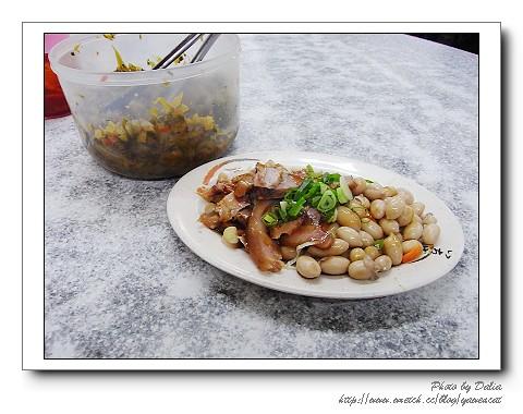 大貓紋 拍攝的 吳家牛肉麵 (2)。