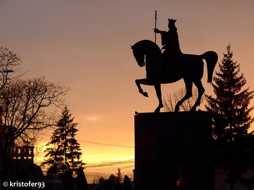 Statuia lui Stefan cel Mare din centrul orasului Bacau