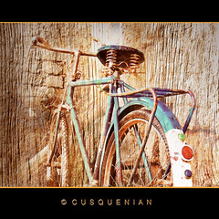 Chacarera (CUSQUENIAN) Tags: wood old peru bike canon madera cusco bicicleta per antigua adobe andes bici campo kauri ramiro soe antiguo andino andean jvc ande composicion andina portilla qosqo moreyra abigfave platinumphoto quispicanchi theunforgettablepictures cusquenian ramiromoreyraportilla qatqa