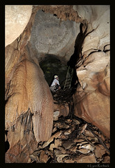 Four Red Rings Cave Entrance (Lynn Roebuck) Tags: cavers caveformations caverscavescavingphotoscccp