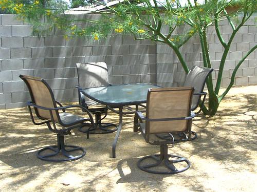 brown-tan patiofurniture