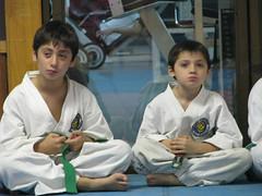 Vicente y Santiago entrenando (J U A C O) Tags: kids kick martialarts nios taekwondo combate tkd patada artesmarciales taekwondoitf