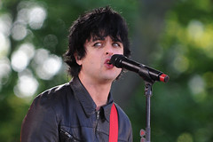 Green Day (noamgalai) Tags: show nyc portrait ny newyork photo concert song centralpark live picture photograph sing abc greenday   goodmorningamerica summerstage billyjoearmstrong  noamg noamgalai   rumseyplayfield sitemusic 21stcenturybreakdown