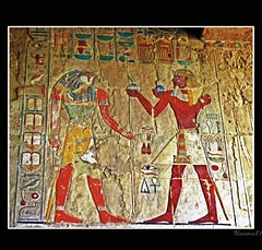 (910) Hatschepsut Tempel / Egypt (unicorn 81) Tags: africa old travel history trekking geotagged northafrica egypt relief egyptian egipto 2009 gypten egitto hieroglyphs hatshepsut egypte reise egypten ancientegypt hieroglyph rundreise roundtrip egipt gypte mapegypt templeofhatshepsut misr nordafrika theben egypttrip deiralbahri april2009 gypten aegyptus unicorn81  gyptusintertravel gyptenreise schulzaktivreisen meinjahr2009