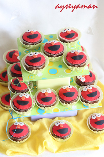 Elmo Cupcake Tower