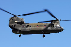 89-00163 CH-47D US Army (eigjb) Tags: ireland dublin airplane army us airport support aircraft visit boeing chinook obama dub usarmy vertol ch47 collinstown ch47d helciopter eidw 180511 8900163
