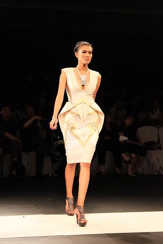 Xernan Orticio, Design Fusion - PFW Holiday 2011