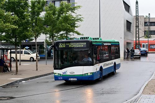 EBE-JE 887 erreicht den Giesinger Bahnhof