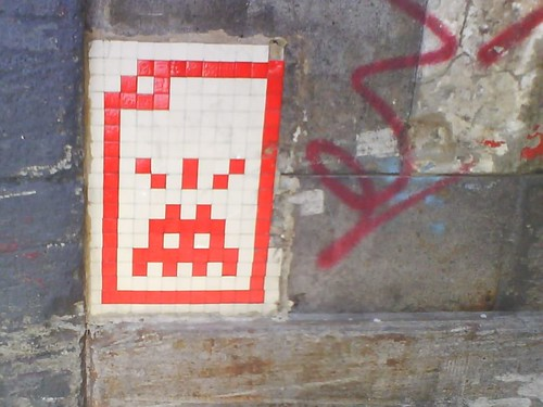 001 Invader - Rothsay Lane