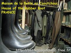 Maison de la Botte en Caoutchouc (pascal en bottes) Tags: boots goma rubber pascal wellies gummistiefel bottes botas gumboots gomma caoutchouc stivali botteux