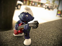 SMURF'N'ROLL (Photocoyote) Tags: seattle usa rock washington honeymoon bokeh guitar pacificnorthwest smurf capitolhill puffo theemeraldcity canonpowershota720is broadwayavee