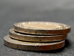 Euros 8