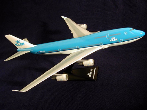 KLM - Royal Dutch Airlines Scale 1-250 model Boeing B747-400 PH-BFJ