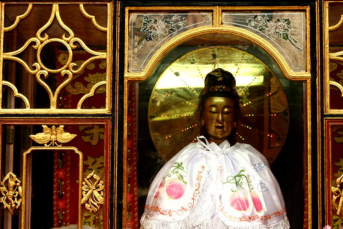 Tam Son Hoi Quan shrine goddess