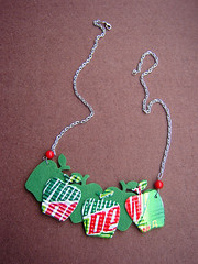 Apple concept necklace made from recycled aluminum cans, felt, and coral beads ~ 3 of 5 photos (Urban Woodswalker) Tags: red green art wow creativity necklace words different graphic handmade unique ooak jewelry apples imadethis etsy repurposed metalworking crat fantabulous upcycled aluminumcans trashion urbanwoodswalker recyeld itsmyowndesign sodaypop